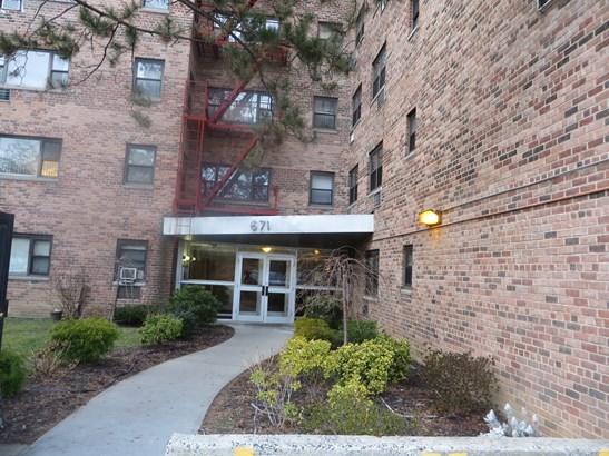 671 Bronx River Road 4b, Yonkers, NY - USA (photo 2)