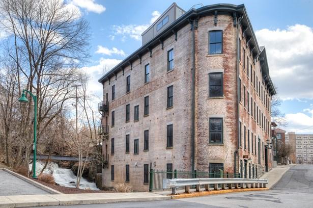 N Water St B&c, Poughkeepsie, NY - USA (photo 2)
