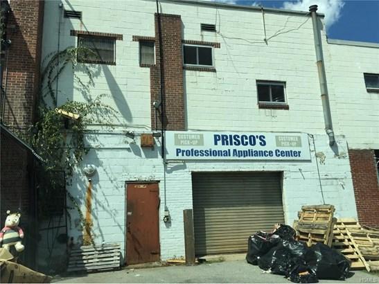 30 Gibson Avenue, White Plains, NY - USA (photo 2)
