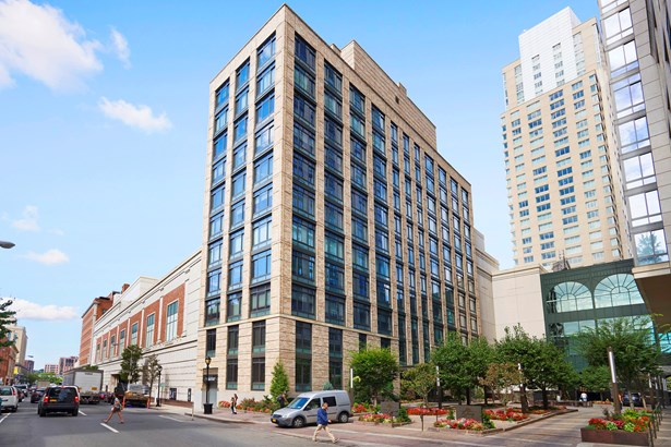 25 City Place 6b, White Plains, NY - USA (photo 1)