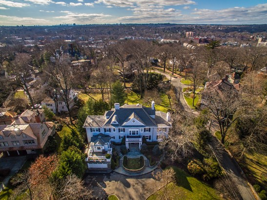 18 Gladwin Place, Bronxville, NY - USA (photo 2)