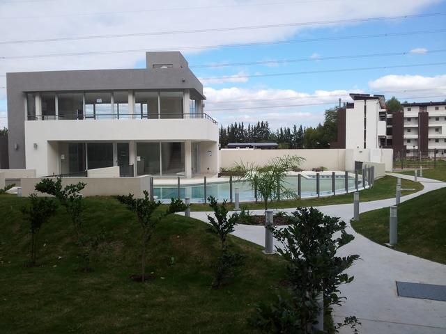 North Coral Plaza 204, North Coral Plaza - ARG (photo 3)