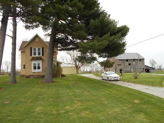 1.5 Sty/Cape Cod, Single Family Detach - Lowell, IN (photo 4)