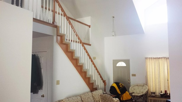 Twnhse/Half Duplex, 2 Story,Townhome - Highland, IN (photo 2)
