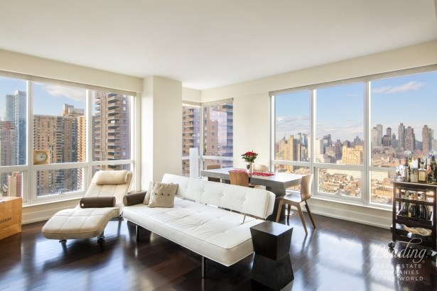 350 West 42nd Street 32b 32b, New York, NY - USA (photo 1)