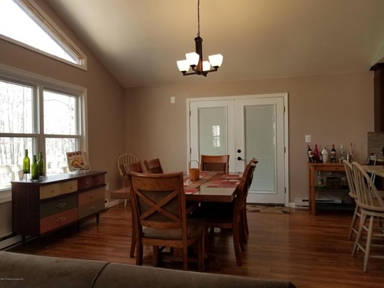 Contemporary, Single Family - Clifton Twp, PA (photo 4)