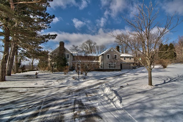 Colonial, Single Family - Waverly, PA (photo 2)