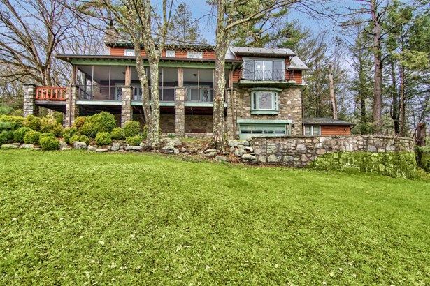 Dutch Colonial,Log Home, Detached - Buck Hill Falls, PA (photo 3)