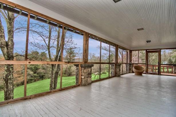 Dutch Colonial,Log Home, Detached - Buck Hill Falls, PA (photo 5)
