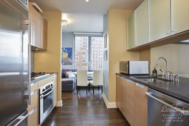 310 West 52nd Street 22b, New York, NY - USA (photo 3)