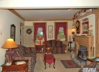 168 N Counrty Rd, Miller Place, NY - USA (photo 4)