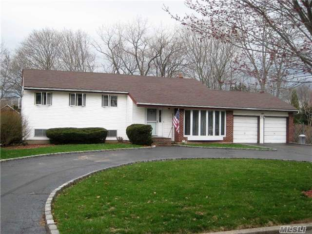 17 Tollgate Dr, East Northport, NY - USA (photo 2)