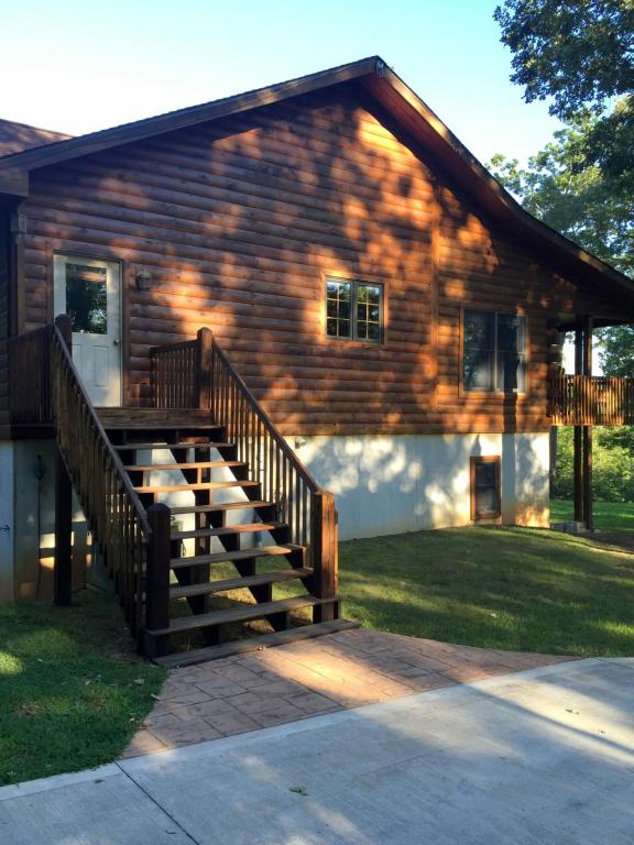 2 1/2 Story,Residential, Cabin,Log - Lafollette, TN (photo 2)