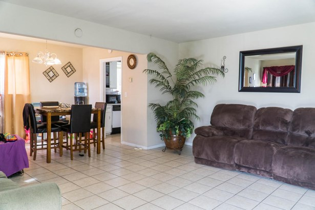 247 E Fir Avenue, Oxnard, CA - USA (photo 5)