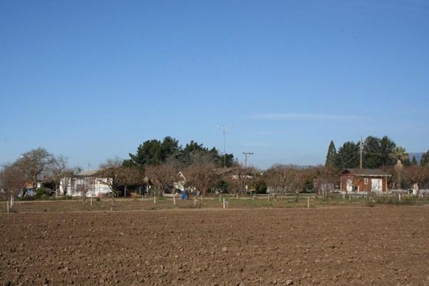 3050 Pacheco Pass Highway, Gilroy, CA - USA (photo 1)