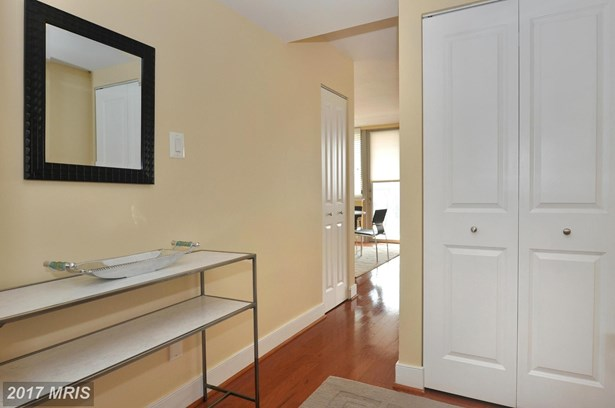 1220 Blair Mill Rd 805, Silver Spring, MD - USA (photo 2)