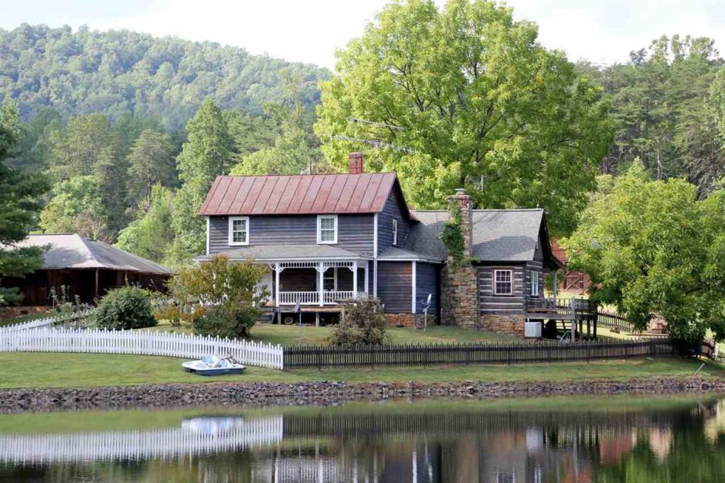 998 Mitchell Mountain Rd, Haywood, VA - USA (photo 1)