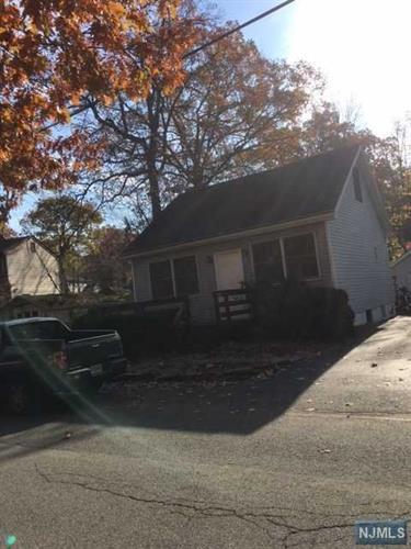 18 Dunham Rd, West Milford, NJ - USA (photo 1)