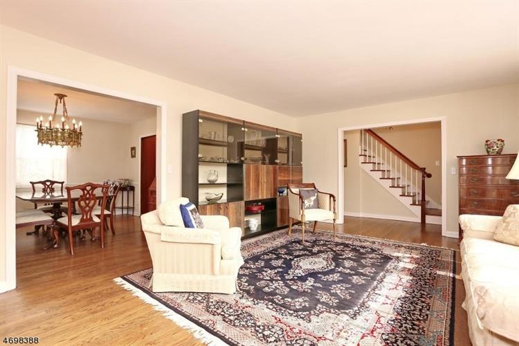 989 Hillcrest Rd, Ridgewood, NJ - USA (photo 3)