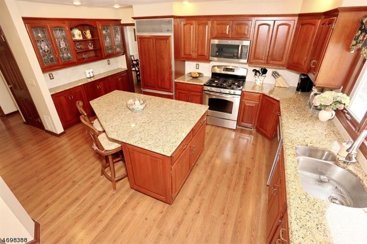989 Hillcrest Rd, Ridgewood, NJ - USA (photo 5)