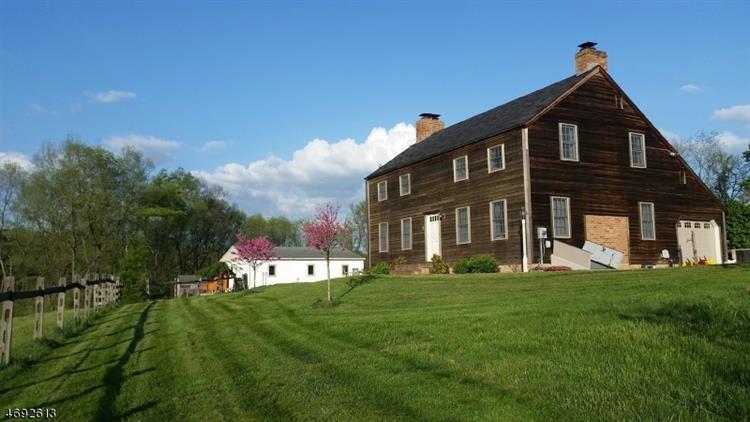 25 Sleepy Hollow Dr, Holland Township, NJ - USA (photo 1)