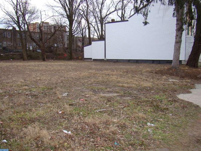 15 Walnut Ave, Trenton, NJ - USA (photo 2)