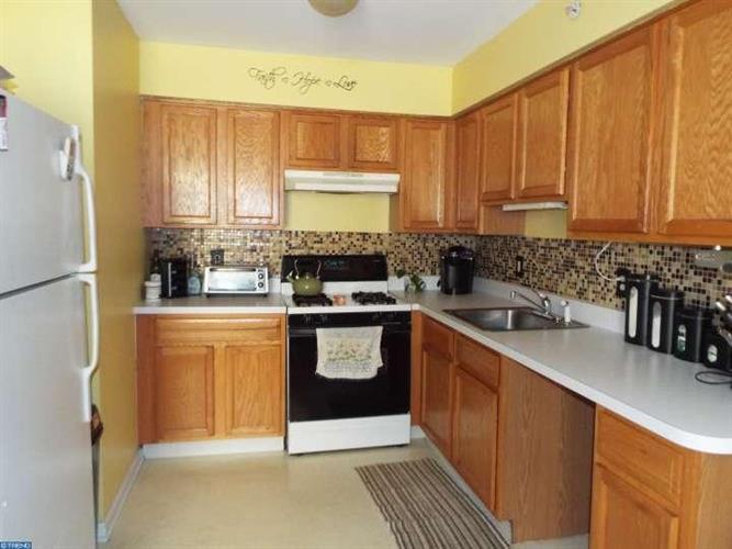 16 Manor Dr, Burlington Township, NJ - USA (photo 1)