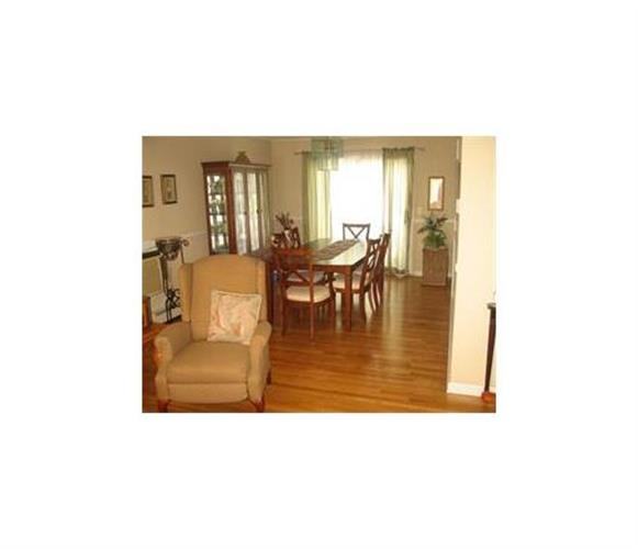 896 Inman Avenue, Edison, NJ - USA (photo 4)
