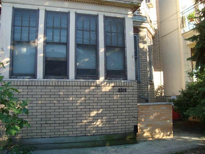 2212 Palisade Ave, Weehawken, NJ - USA (photo 2)
