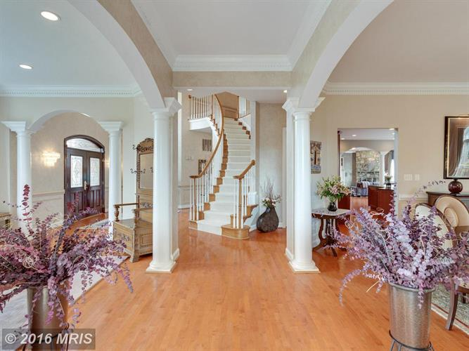 2601 Sledding Hill Rd, Oakton, VA - USA (photo 3)