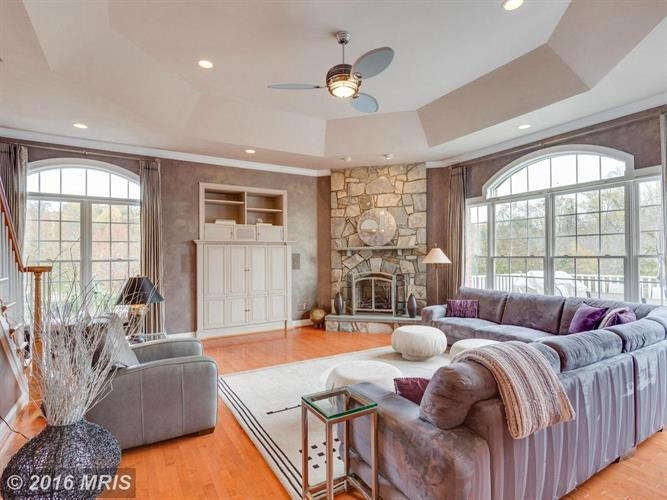 2601 Sledding Hill Rd, Oakton, VA - USA (photo 4)