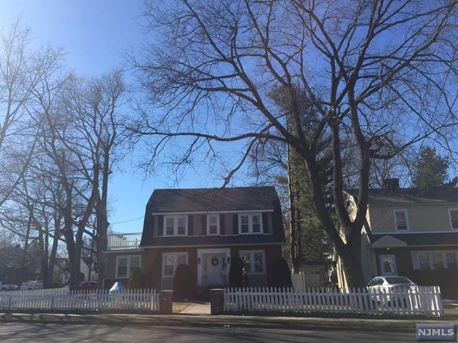 32 S Prospect Ave, Bergenfield, NJ - USA (photo 1)