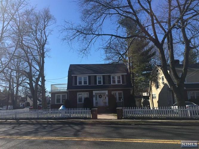 32 S Prospect Ave, Bergenfield, NJ - USA (photo 2)