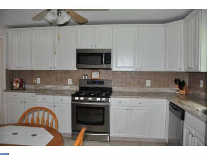 2613 Riverton Rd, Cinnaminson, NJ - USA (photo 4)