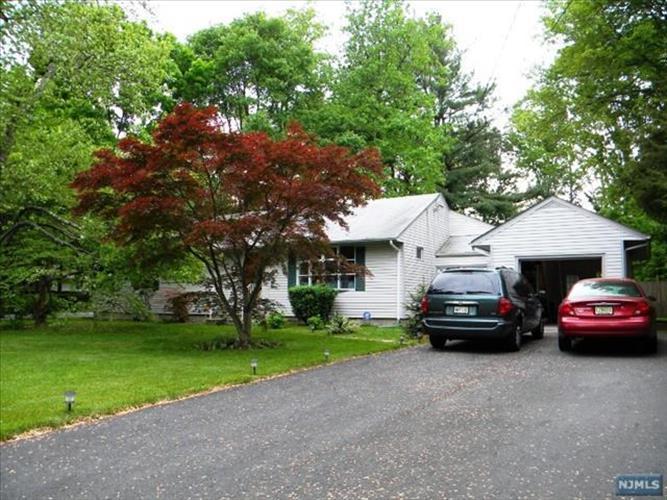 658 Meisten St, Township Of Washington, NJ - USA (photo 2)