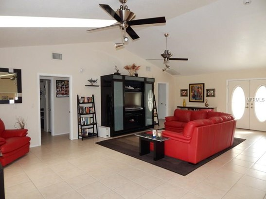 Single Family Home - PORT CHARLOTTE, FL (photo 4)