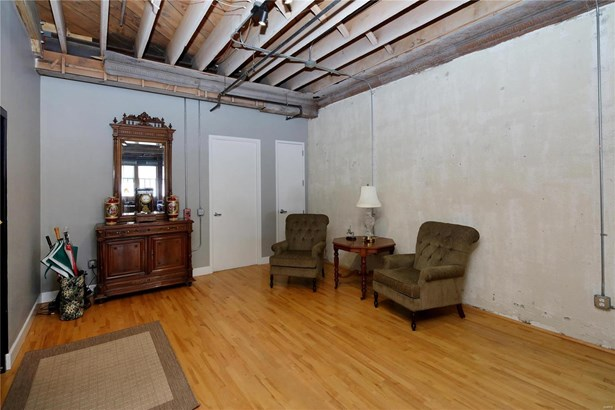 Condo,Condo/Coop/Villa, Historic,Loft - St Louis, MO (photo 3)