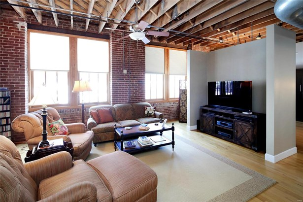Condo,Condo/Coop/Villa, Historic,Loft - St Louis, MO (photo 5)