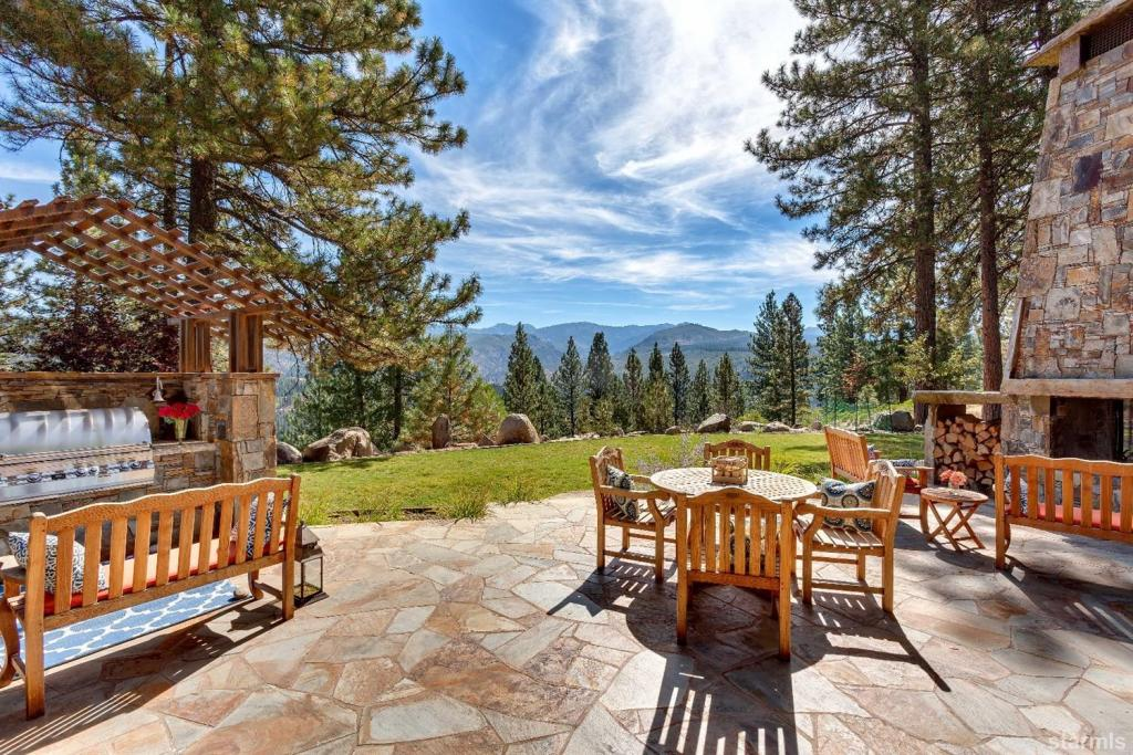 10611 Buckhorn Ridge Court, Truckee, CA - USA (photo 1)