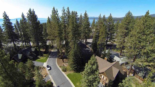 223 Vista Pines Way, Tahoe Vista, CA - USA (photo 1)
