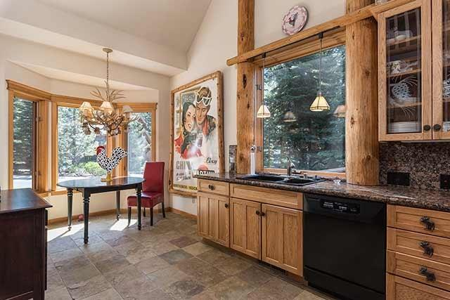 223 Vista Pines Way, Tahoe Vista, CA - USA (photo 2)