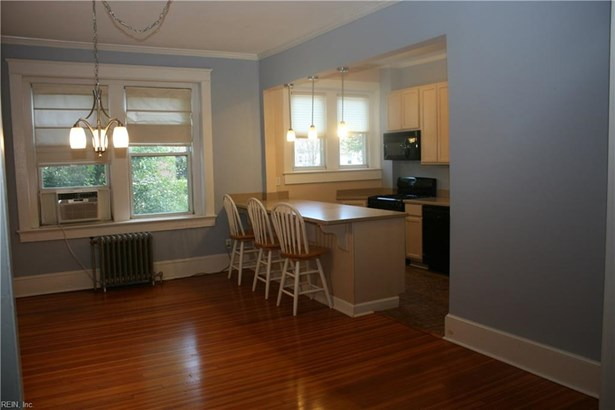 Attached,Attached Residential, Traditional - Norfolk, VA (photo 2)