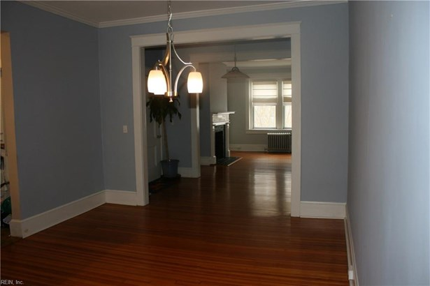Attached,Attached Residential, Traditional - Norfolk, VA (photo 3)