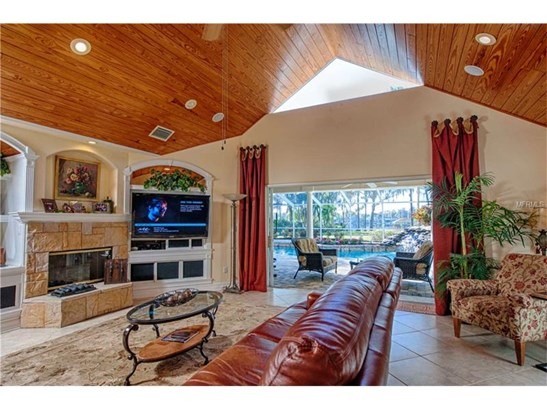Single Family Home, Contemporary,Traditional - LUTZ, FL (photo 5)