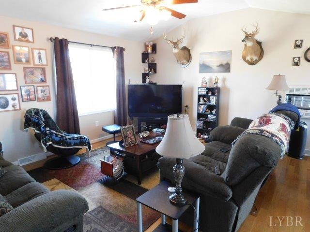 Single Family Residence, Ranch - Appomattox, VA (photo 2)
