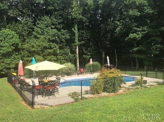 Two Story, Single Family - Lynchburg, VA (photo 2)