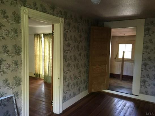 Single Family Residence, Victorian - Brookneal, VA (photo 3)