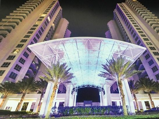 Condominium, Modern - Holly Hill, FL (photo 2)