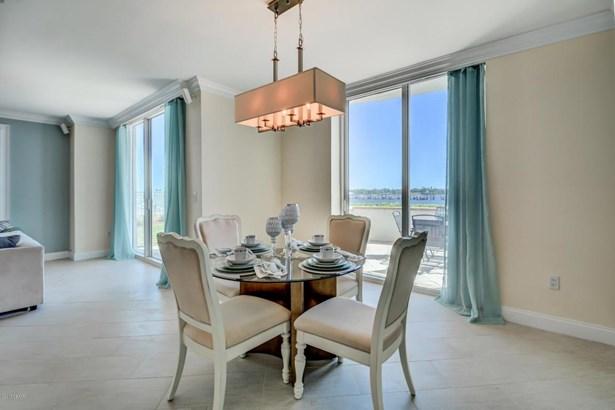 Condominium, Modern - Holly Hill, FL (photo 5)