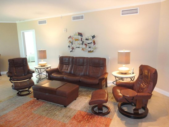Condominium - Holly Hill, FL (photo 4)
